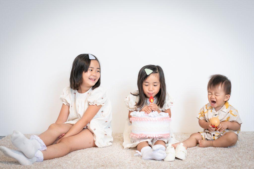 バースデーケーキを奪われた1歳